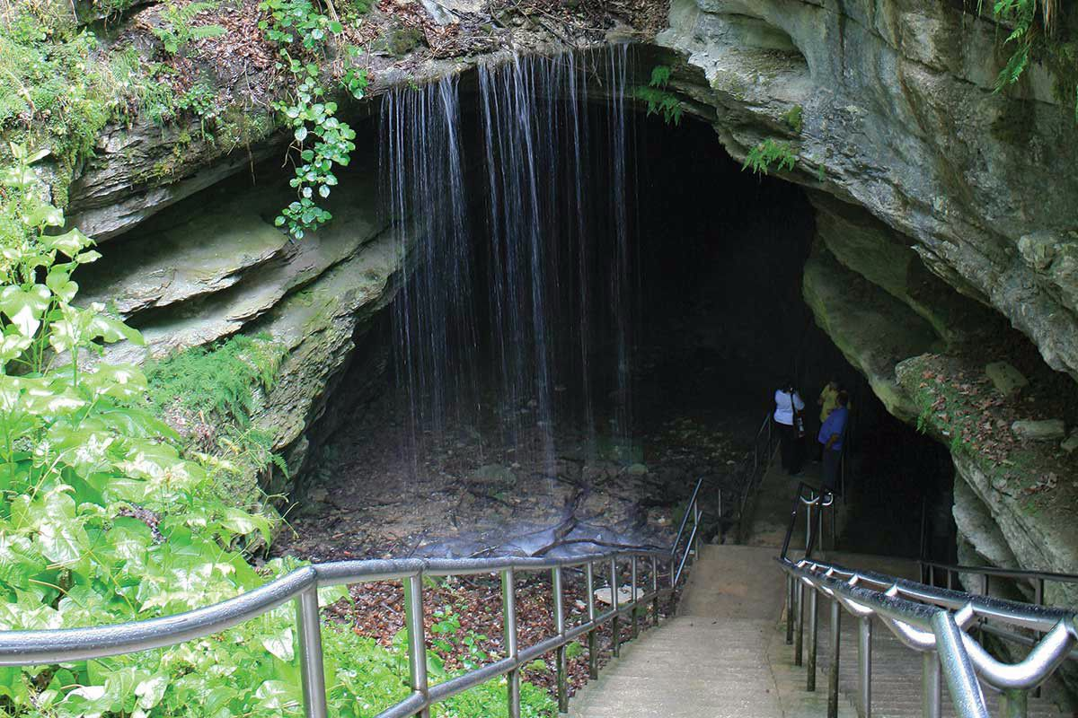 mammoth-cave-historic-entrance