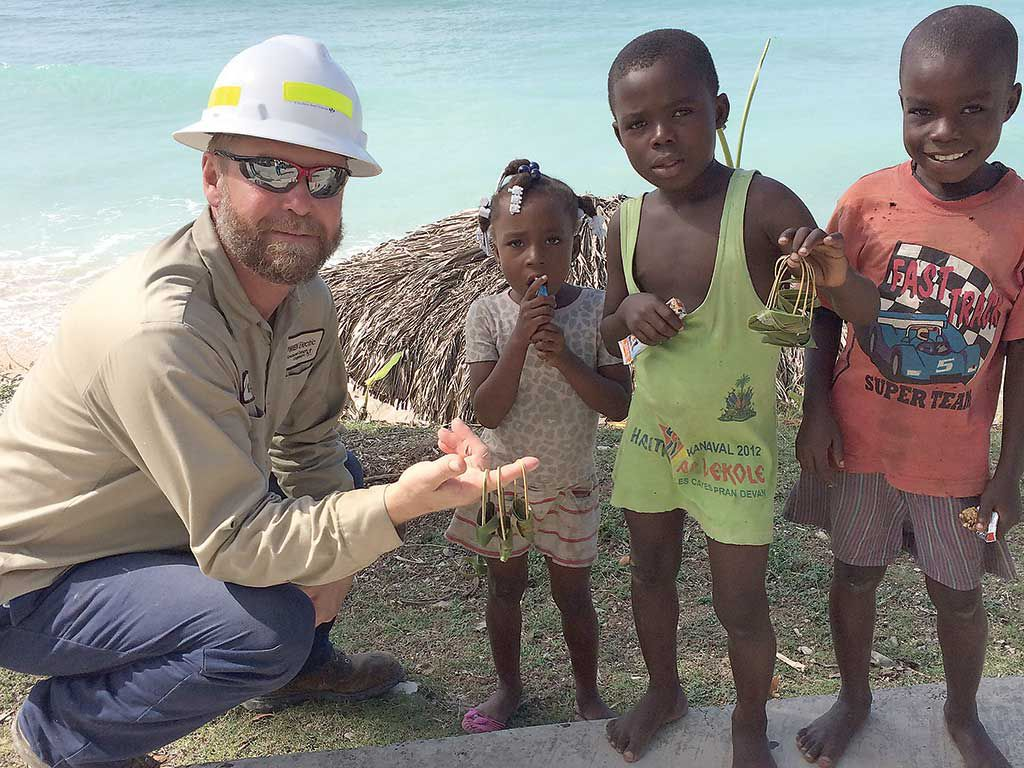 American-volunteer-linemen-Haiti