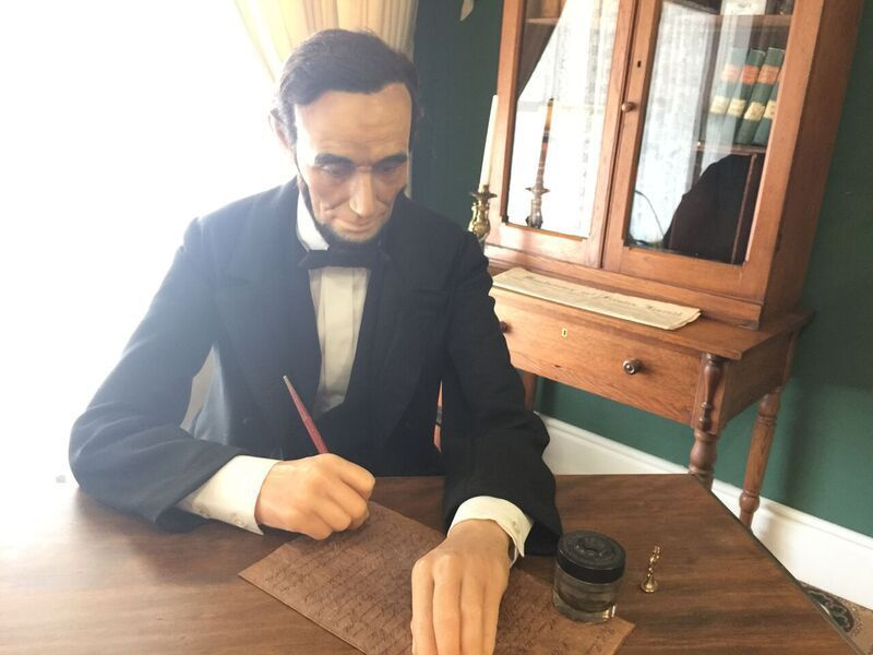 LincolnSigning