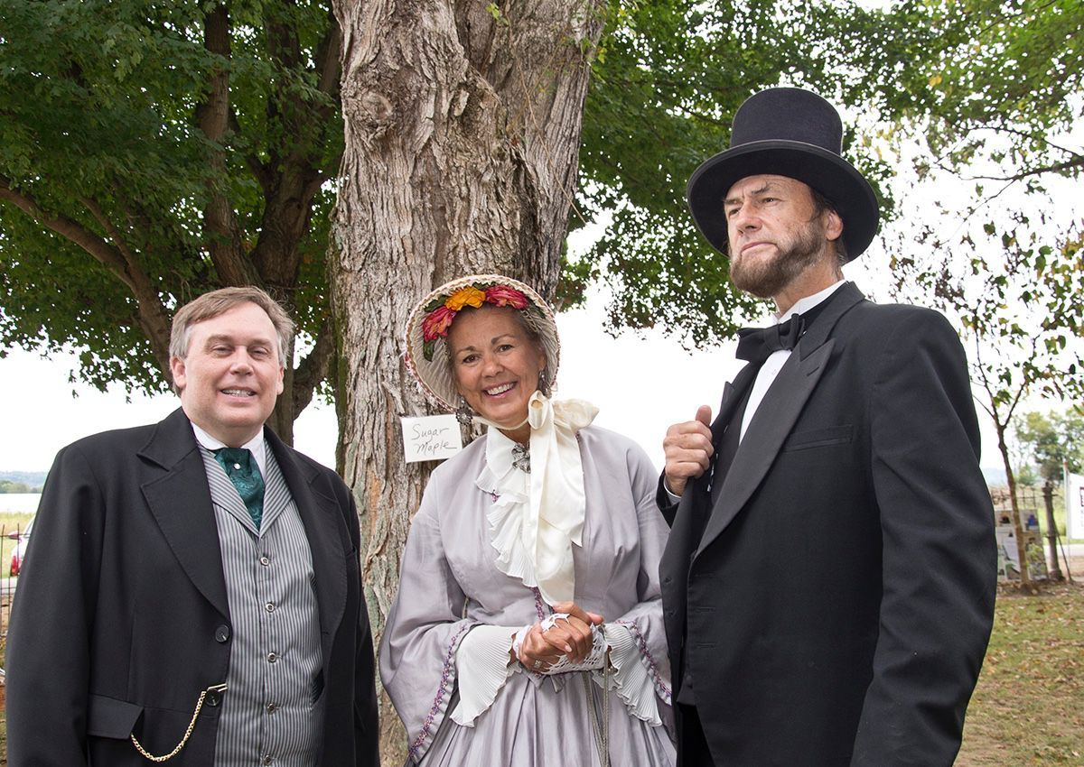 Judge Kelly Easton with Mary and Larry Elliott portraying Mary Todd and Abraham Lincoln