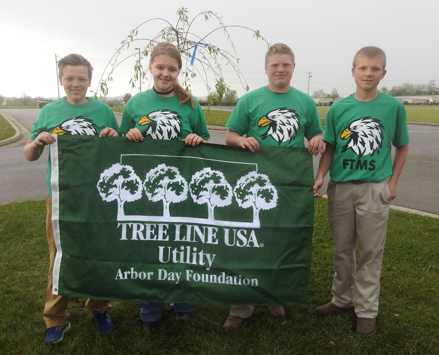 Students at Farristown Middle School in Berea participate in an Earth Day event sponsored by Blue Grass Energy.